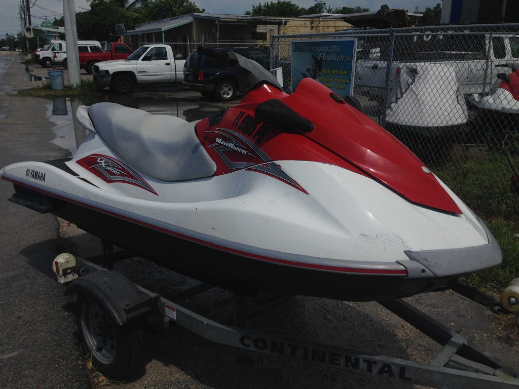 Pair 2011 Yamaha Vx110 Wave Runner With Trailer  8000