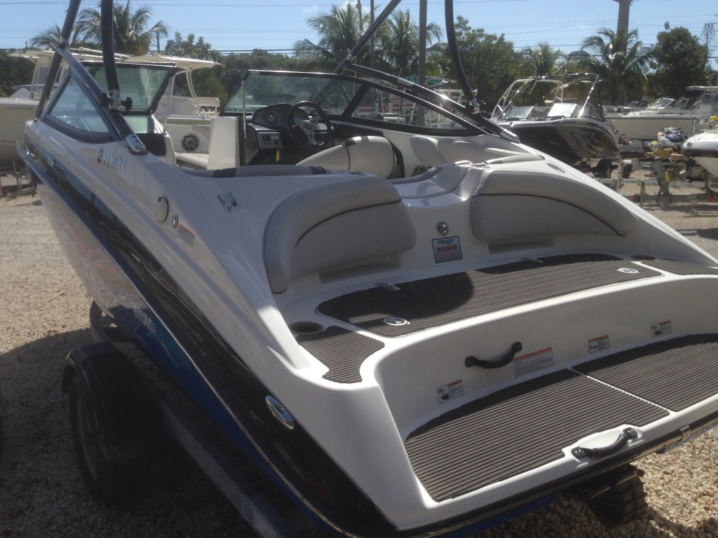 Kelly Blue Book For Boats >> Sold WoW!!! 2014 Yamaha AR192 Jetboat Wake board tower, supercharhed Yamaha engine, 8 persons ...
